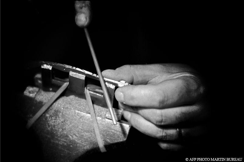 Ressort couteau Laguiole guilloché coutellerie france
