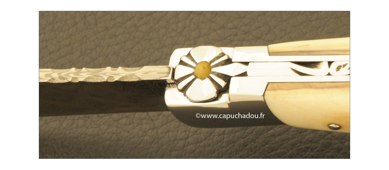 """""""Le Capuchadou-Guilloché"""" 12 cm hand made knife, mammoth & Damascus"""