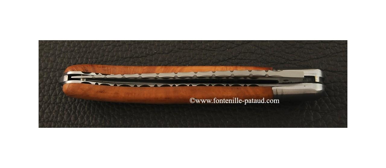 Laguiole artisanal en racine de bruyère guilloché