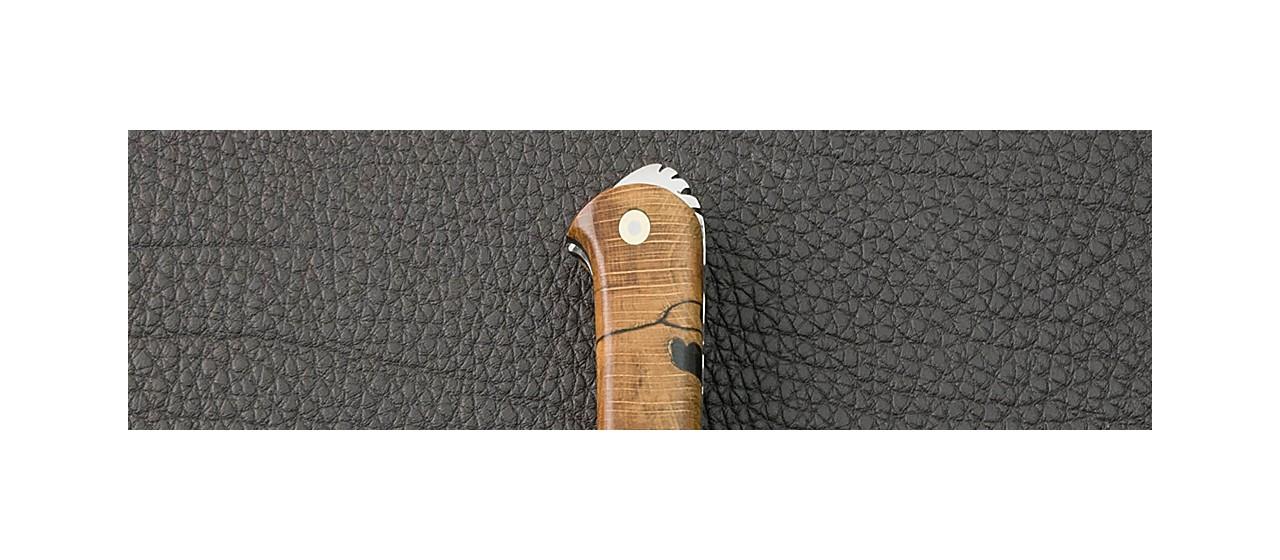Couteau le 5 Coqs hêtre stabilisé debout fabriqué en France