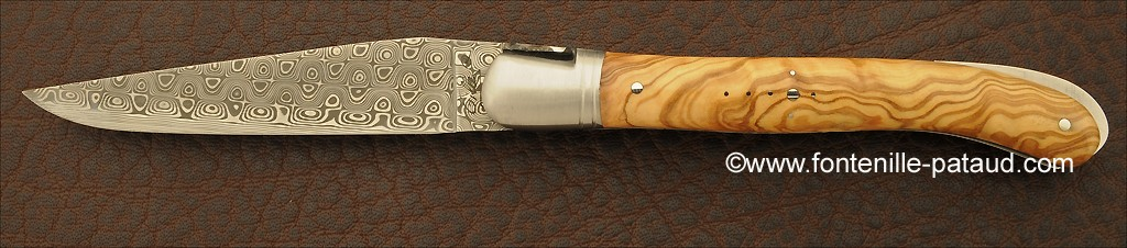 Laguiole knife with damascus blade