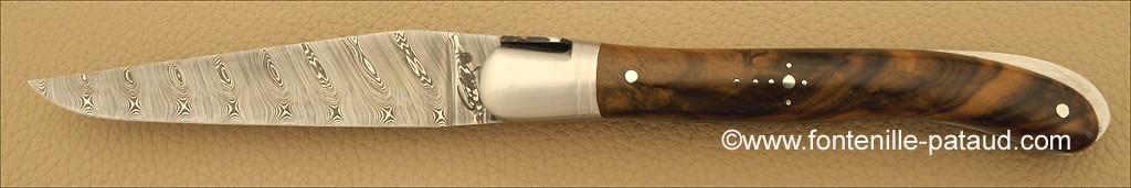 Couteau de laguiole véritable avec lame en damas et manch en noyer
