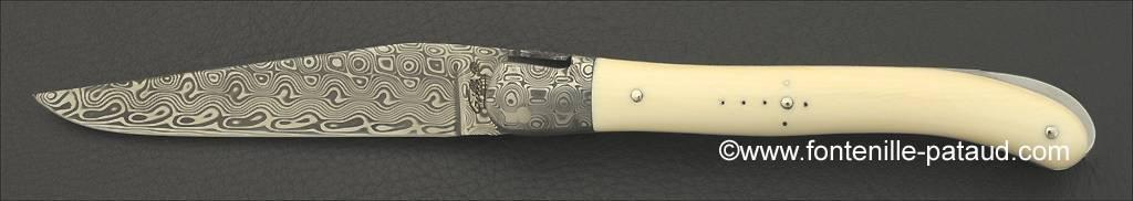 Le luxe à la francaise pour ce couteau laguiole en ivoire et damas