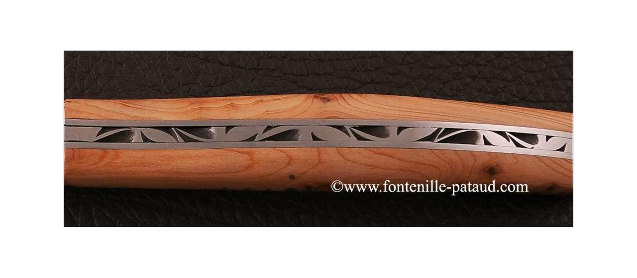 Laguiole en bois de genévrier odorant et moucheté